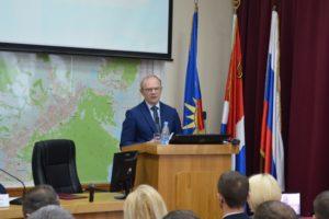 Глава Артемовского городского округа отчитался о своей деятельности в 2017 году перед депутатами думы АГО