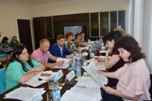Народные избранники приняли ряд важных решений на очередном заседании комиссии