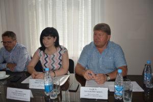 Народные избранники рассмотрели внесение изменений в Положение о помощнике депутата Думы АГО