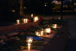 Сотни артемовцев зажгли «Свечи памяти»