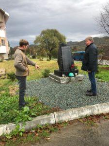 Памятник жителям Суражевки, участвовавшим в Великой Отечественной войне уже нуждается в косметическом ремонте.
