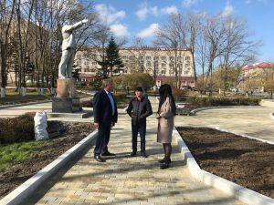 В преддверии завершения работ на придворцовой площади, председатель Думы проверил исправили ли его замечания после последнего визита.