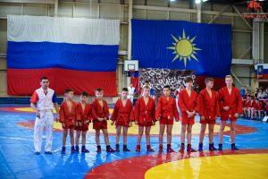 Народные избранники выступили организаторами спортивного праздника для 839 детей.