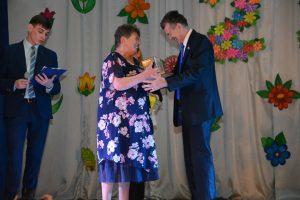 Валерий Пусяк вручил награды от Думы округа в честь 25-летия Дома культуры «Любава».