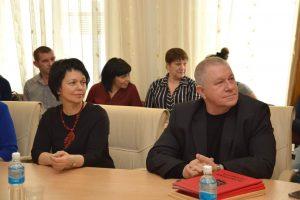 Работникам сферы торговли и бытового обслуживания вручены награды Думы Артемовского городского округа.