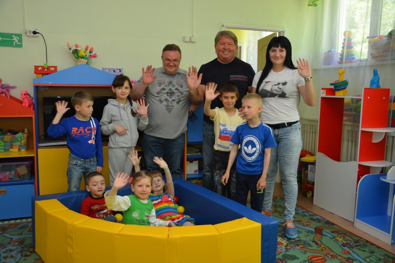 Игровой бассейн для детей из артёмовского социально