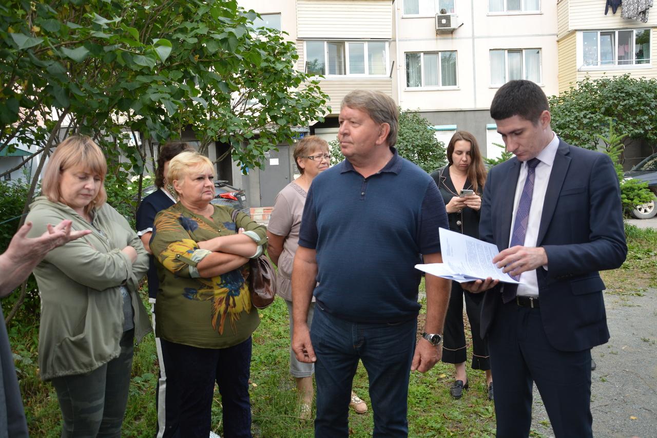 Встреча председателя Думы с жителями, проживающими по адресу Кооперативная 4.