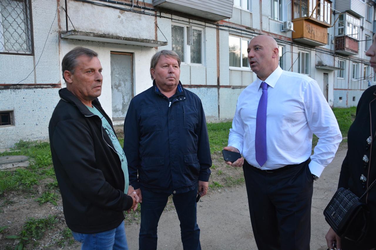 Встреча депутата регионального парламента Игоря Чемериса с жителями с.Кневичи.