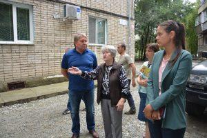 Жители обеспокоены угрозой подтопления придомовой территории.