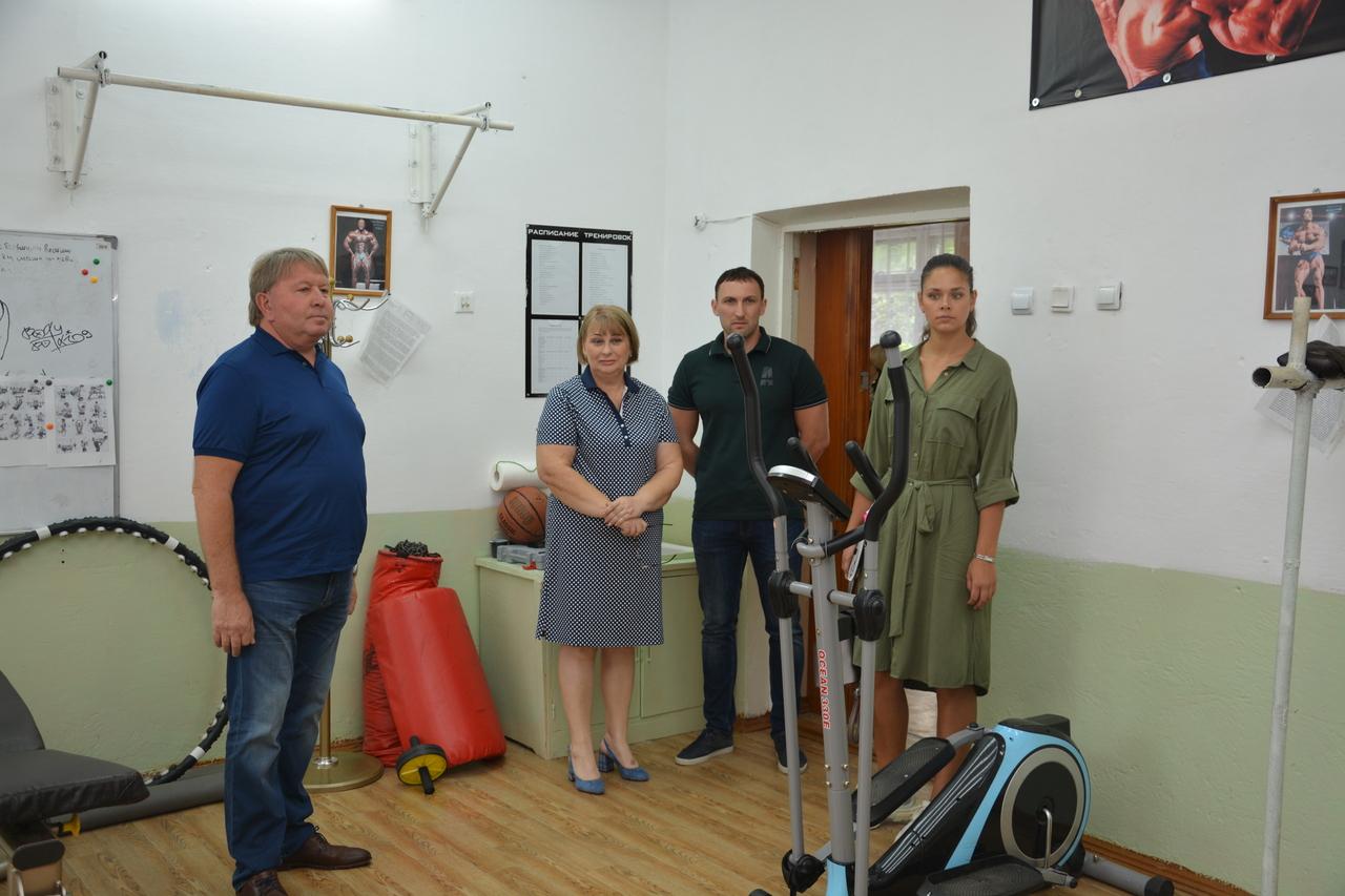 Посещение школ города в рамках приемки общеобразовательных учреждений.