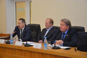 Внеочередное заседание Думы Артемовского городского округа, на котором депутаты рассмотрели 30 вопросов.