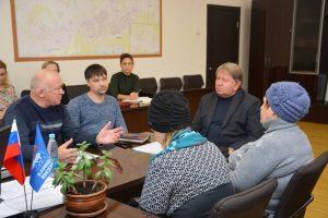 Председатель Думы Артемовского городского округа Анатолий Бадель провел приём граждан по личным вопросам в рамках партийного приёма ВПП «Единая Россия».