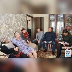 Встреча председатель Думы Артёмовского городского округа Анатолий Бадель совместно с депутатом по избирательному округу №24 Константином Мигалем с жителями улицы Черноморской.