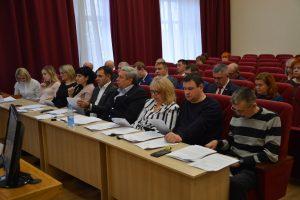 Внеочередное заседание Думы АГО состоялось сегодня, на повестке дня 18 вопросов.
