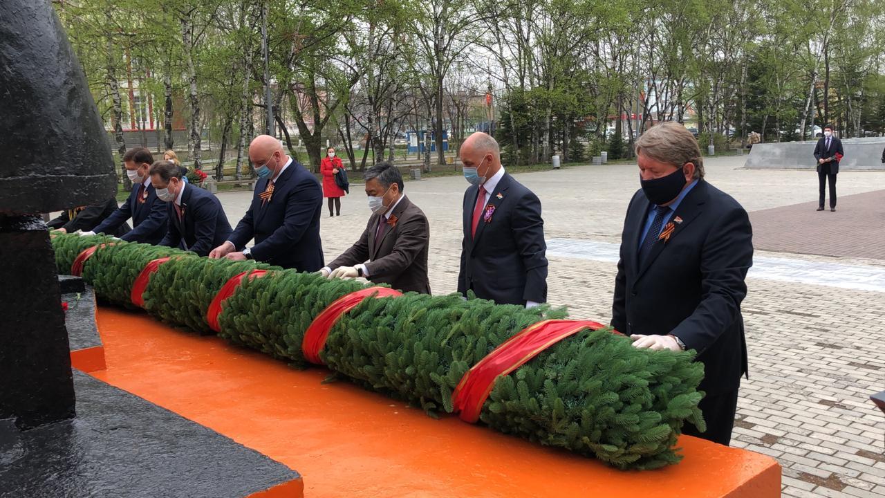 Памятная церемония возложения гирлянд к мемориалам воинам-артемовцам, погибшим в годы Великой Отечественной войны