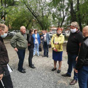 Предварительный осмотр придомовых территорий, ремонт которых планируется в 2021 году, состоялся 27 мая.
