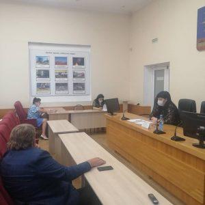 О планируемых изменениях в Устав Артемовского городского округа доложили сегодня на публичных слушаниях