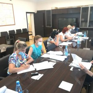 Заседание рабочей группы по внесению изменений в Устав Артемовского городского округа под председательством А. В. Баделя состоялось сегодня.