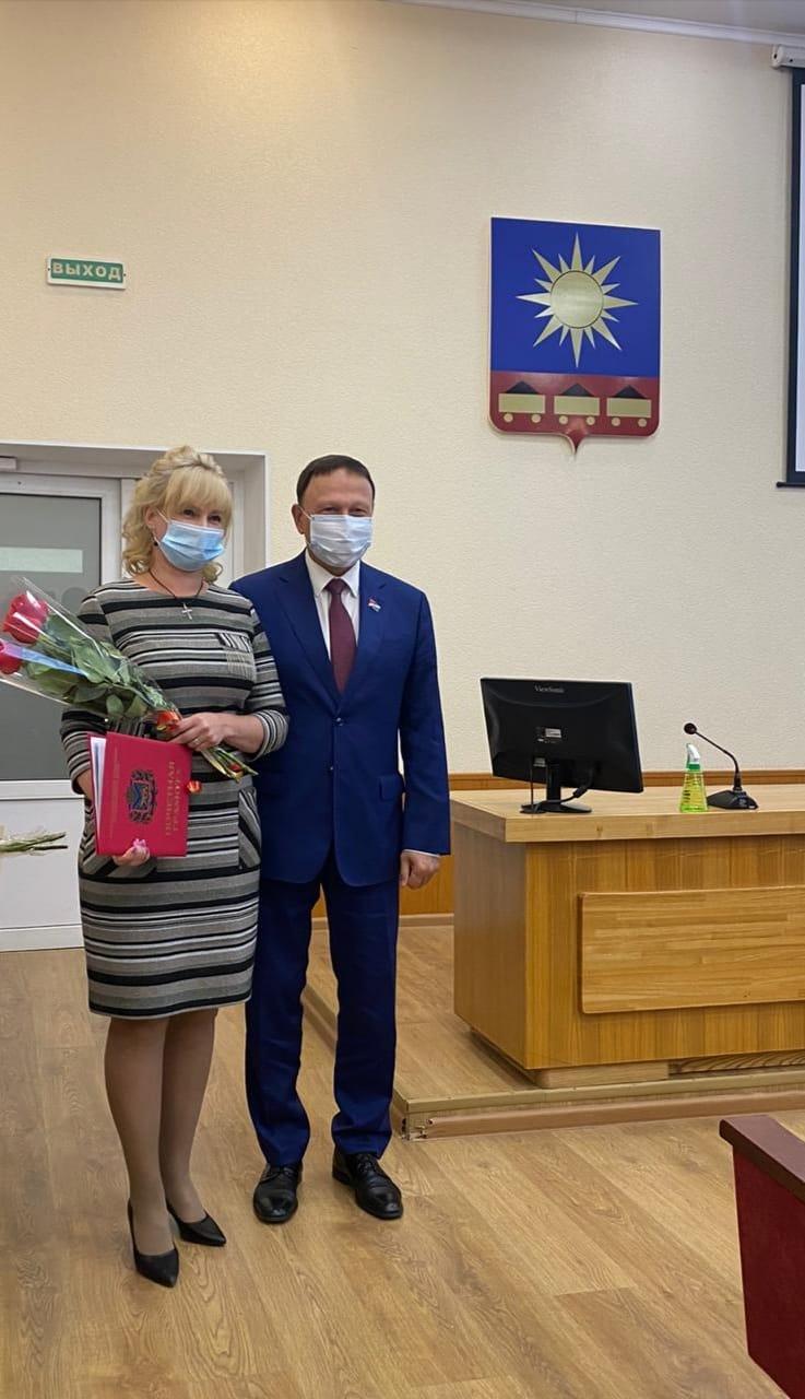 30-летний юбилей МУП «Артемовское городское телевидение» стал поводом для чествования сотрудников предприятия