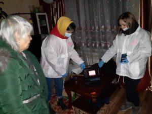 В Артёме оказывают помощь людям, оказавшимся в трудной ситуации из-за ледяного коллапса