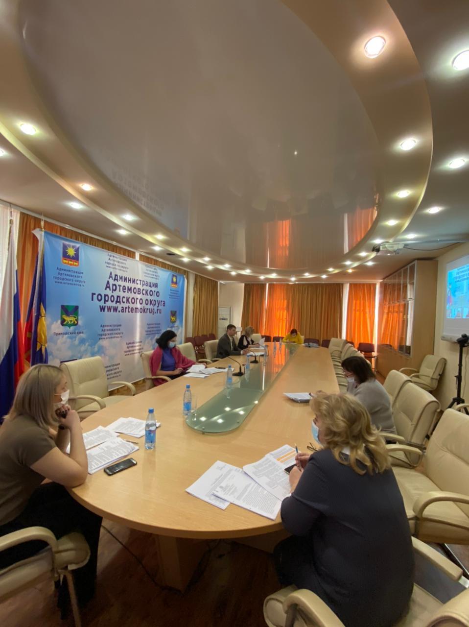 Состоялось заседание постоянной комиссии Думы АГО по вопросам законности и защиты прав граждан.