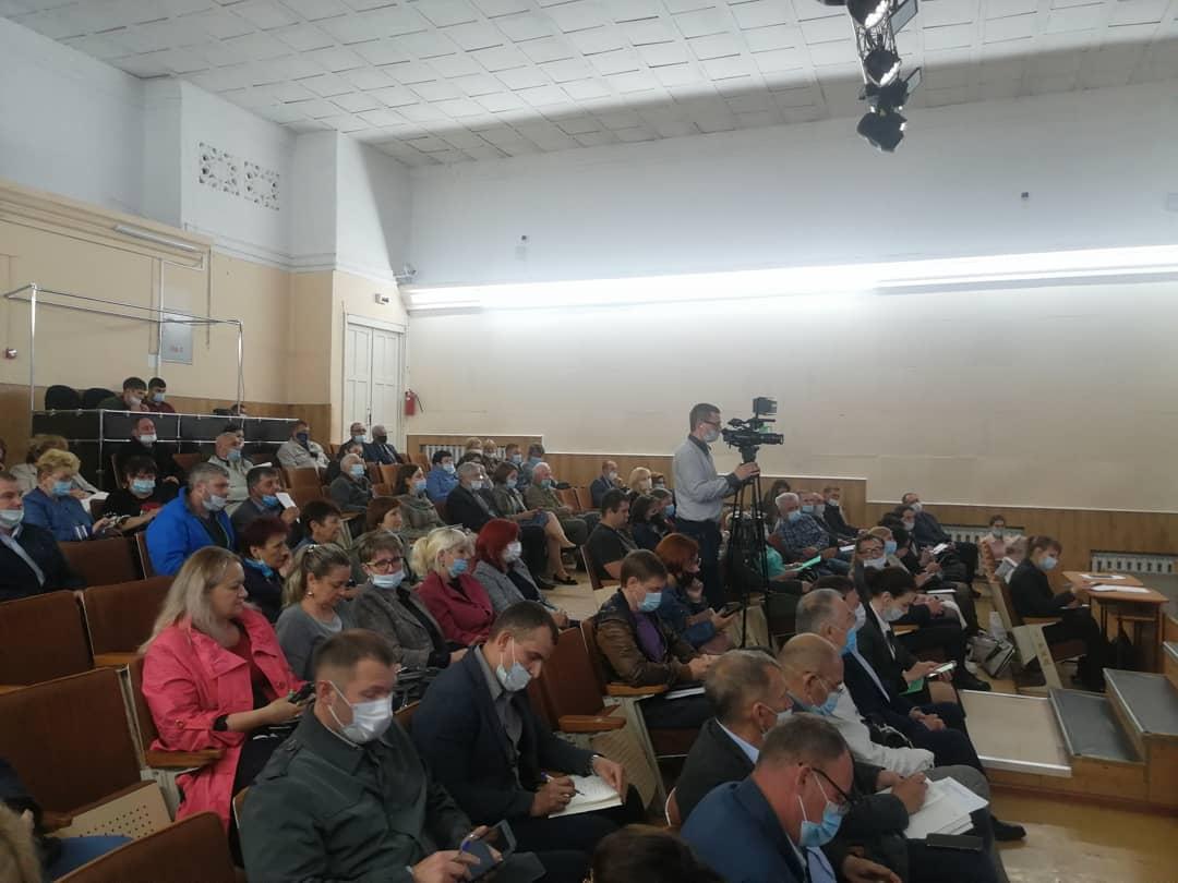 В Детской школе искусств № 2 состоялась очередная встреча главы округа Вячеслава Квона с артемовцами