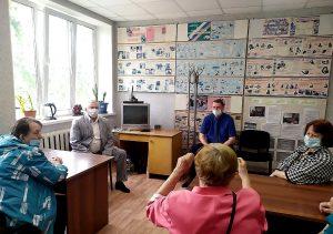 С жителями избирательного округа № 3 встретился депутат Думы АГО Александр Коробков