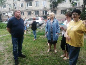 Встреча Анатолия Баделя с жителями домов ул. Фрунзе, 67, 69.